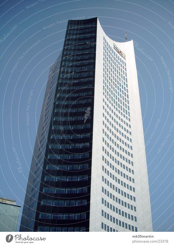 Uniriese Leipzig Hochhaus Licht Architektur mdr-turm Schatten Himmel City-Hochhaus Leipzig