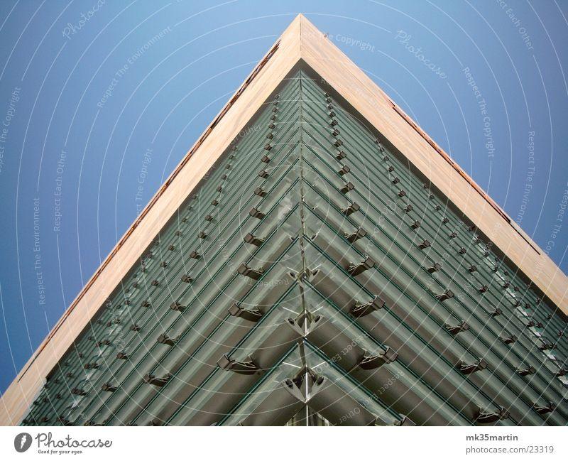 Glasecke Gebäude Architektur Fassade Ecke Leipzig Museum Jalousie
