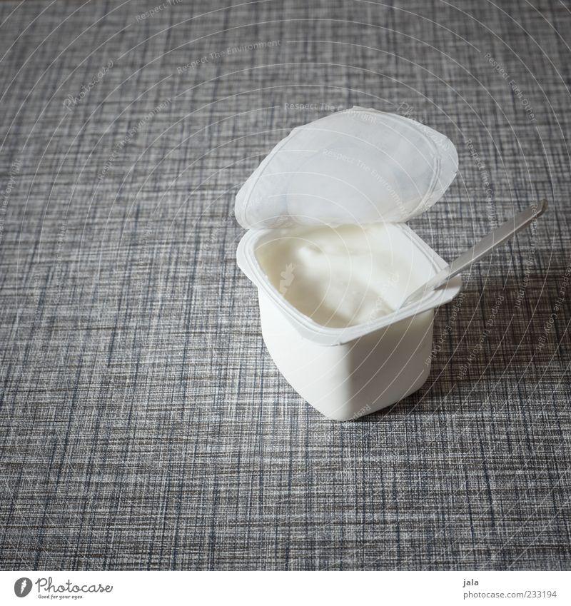 jogi Ernährung Lebensmittel offen Kunststoff lecker Bioprodukte Diät Gully Löffel Vegetarische Ernährung Tischplatte Joghurt Foodfotografie Plastikbecher