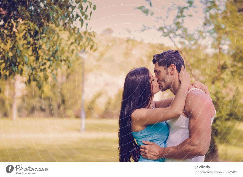 Frau Mensch Natur Jugendliche Mann Junge Frau Junger Mann Baum Freude 18-30 Jahre Erwachsene Lifestyle Liebe Gefühle Familie & Verwandtschaft Gras