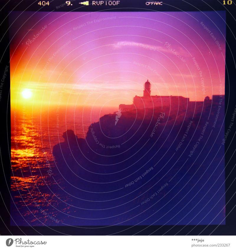 sunsets make velvia go kamikaze. Natur Meer Ferne Küste Horizont Wellen rosa Felsen leuchten Romantik Idylle Bauwerk Schifffahrt Leuchtturm Abenddämmerung