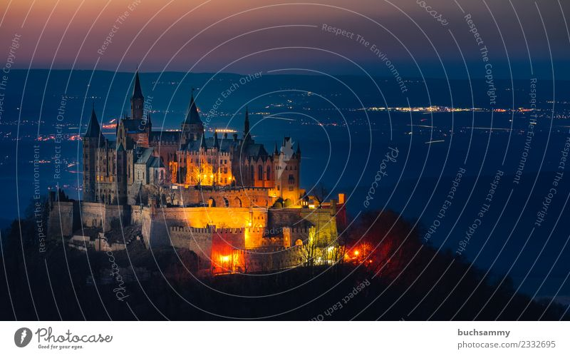 Burg Hohenzollern Landschaft Burg oder Schloss Turm alt Bekanntheit Baden-Württemberg Beleuchtung Europa Gipfelburg Schwäbische Alb Stammsitz deutschland