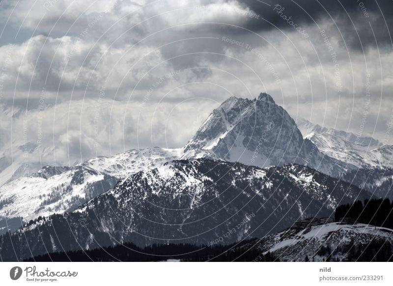 Massiv Ferien & Urlaub & Reisen Tourismus Winter Berge u. Gebirge Umwelt Natur Landschaft Himmel Wolken Wetter Schnee Alpen Kitzbüheler Alpen Gipfel
