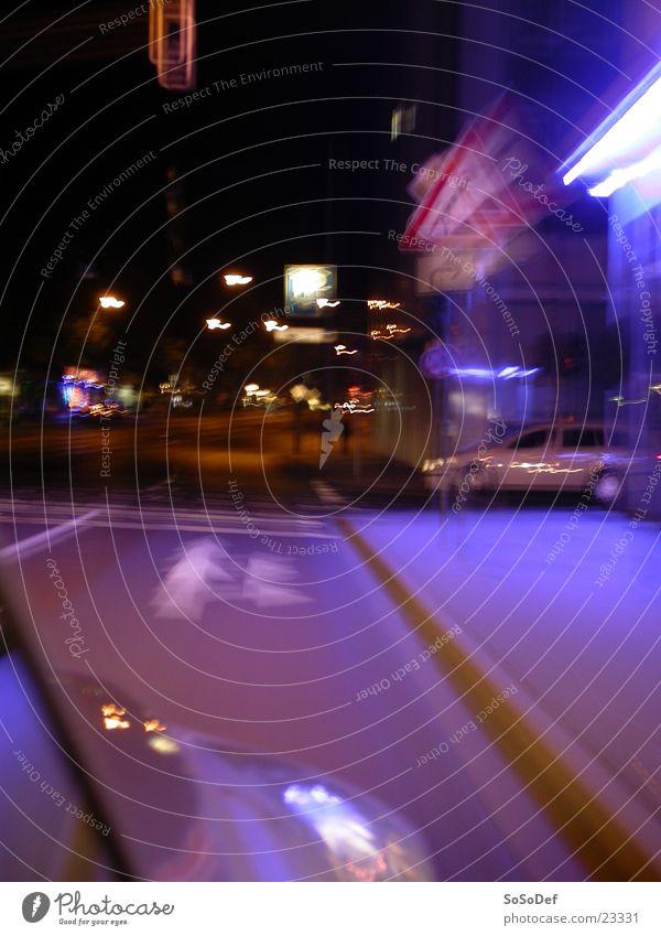 Street by Night Stadt Straße PKW Verkehr