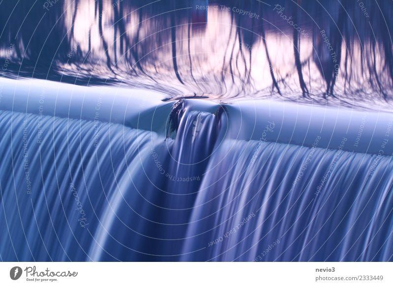 Wasserfall Natur blau schön Baum ruhig Umwelt natürlich Gefühle nass Fluss weich Urelemente Gelassenheit Flüssigkeit Sturz