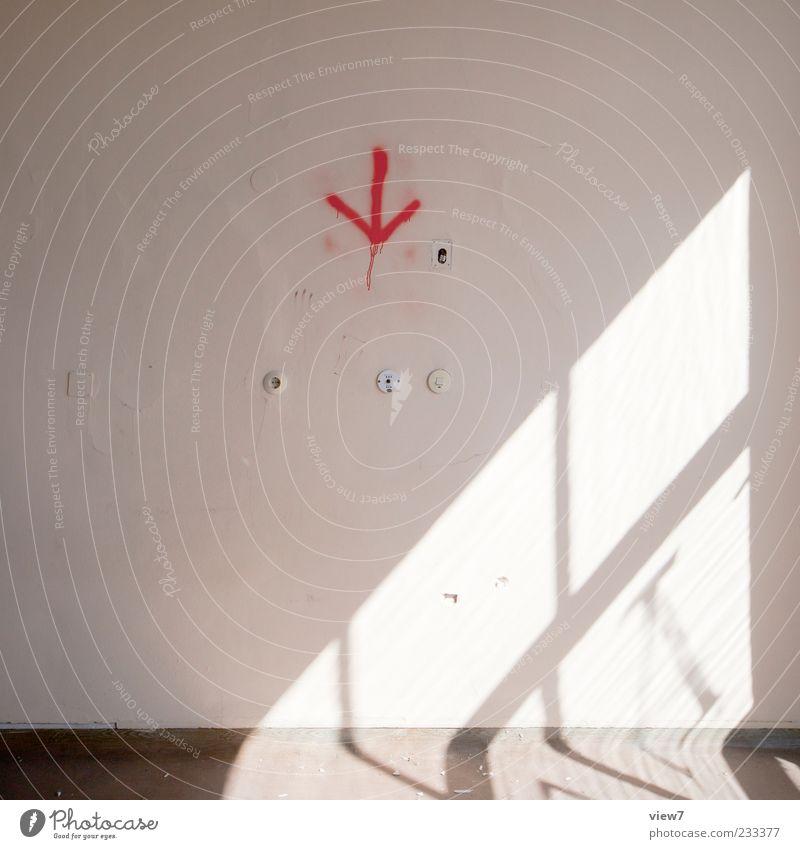 this is: 1101 rot Fenster Wand Stein Mauer Schilder & Markierungen Beton Beginn einfach Zeichen Umzug (Wohnungswechsel) Pfeil Renovieren Steckdose