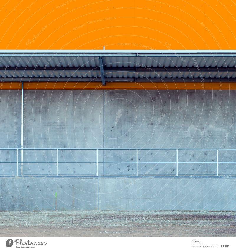 deep orange Haus Industrieanlage Fabrik Bauwerk Gebäude Architektur Mauer Wand Fassade Dach Dachrinne Stein Beton Linie Streifen authentisch einfach einzigartig