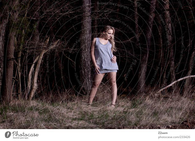 springtime Lifestyle elegant Stil feminin Junge Frau Jugendliche 1 Mensch 18-30 Jahre Erwachsene Natur Gras Wiese Wald Kleid blond langhaarig stehen schön