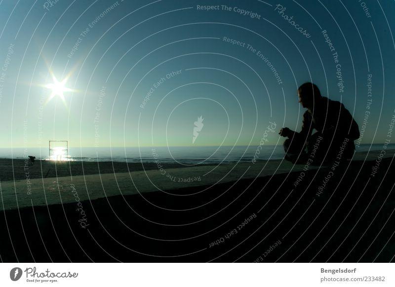 Sonnentor Mensch Mann Wasser Ferien & Urlaub & Reisen Meer Strand Einsamkeit ruhig Ferne Erholung Freiheit Sand Mauer Horizont Zufriedenheit Wellen
