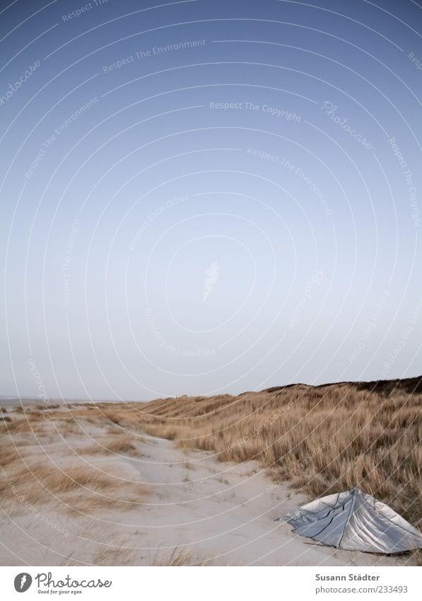 Spiekeroog | wie im August '58 Ferne Freiheit Expedition Camping Sommerurlaub Strand Meer Insel träumen Zelt Romantik Düne Dünengras Abenddämmerung