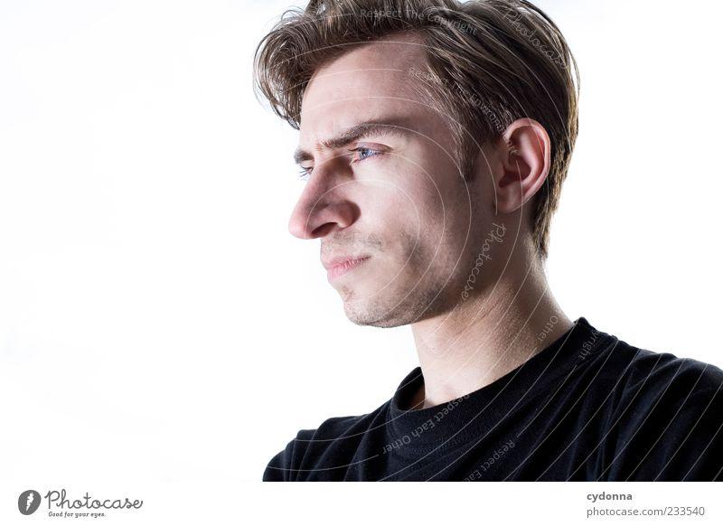 Freisteller Mensch Jugendliche schön ruhig Gesicht Erwachsene Denken Haut Nase Lifestyle 18-30 Jahre einzigartig nachdenklich Konzentration Junger Mann ernst