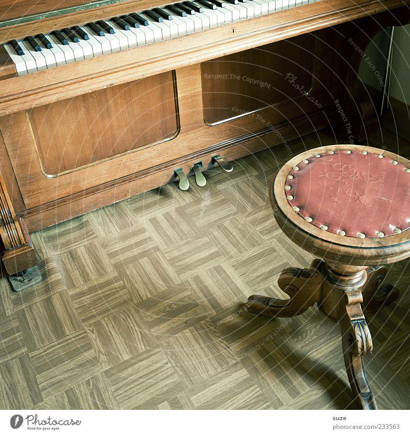 Eckes Edelkirsch alt Holz Musik braun Wohnung Freizeit & Hobby Häusliches Leben Bodenbelag retro Vergangenheit Klaviatur Klavier antik Klang Klassik Kostbarkeit