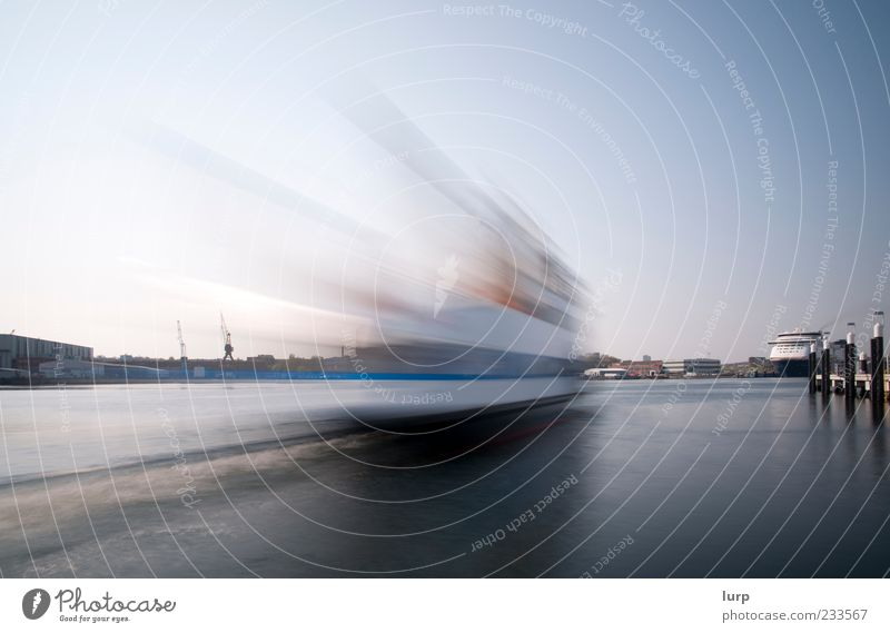 Time is running out Wasser Himmel Wolkenloser Himmel Hafenstadt Schifffahrt Bootsfahrt Passagierschiff Dampfschiff Fähre Jacht Motorboot Wasserfahrzeug blau