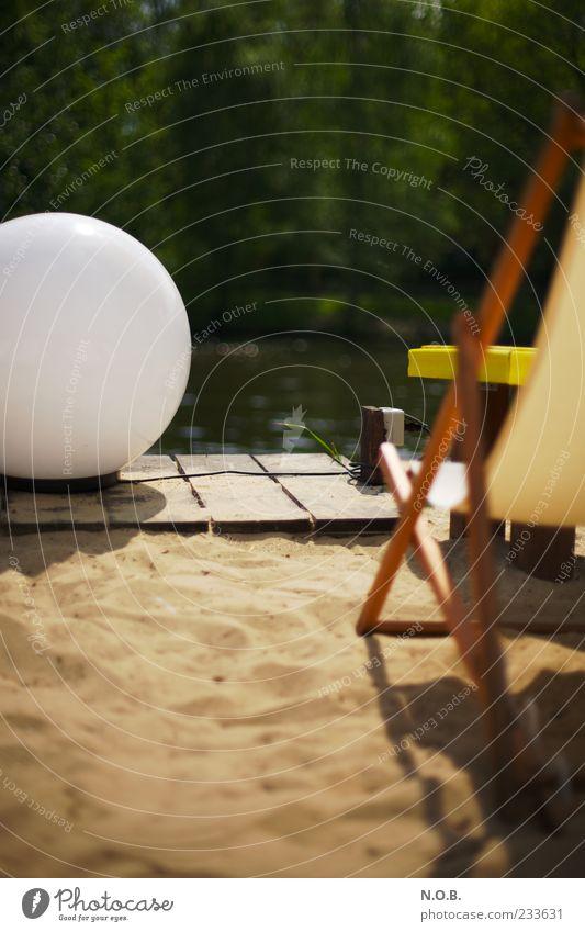 Seele baumeln lassen Ferien & Urlaub & Reisen Sommer ruhig Erholung Sand Lampe Zufriedenheit Pause Wellness Kugel Lebensfreude Wohlgefühl positiv Sonnenbad