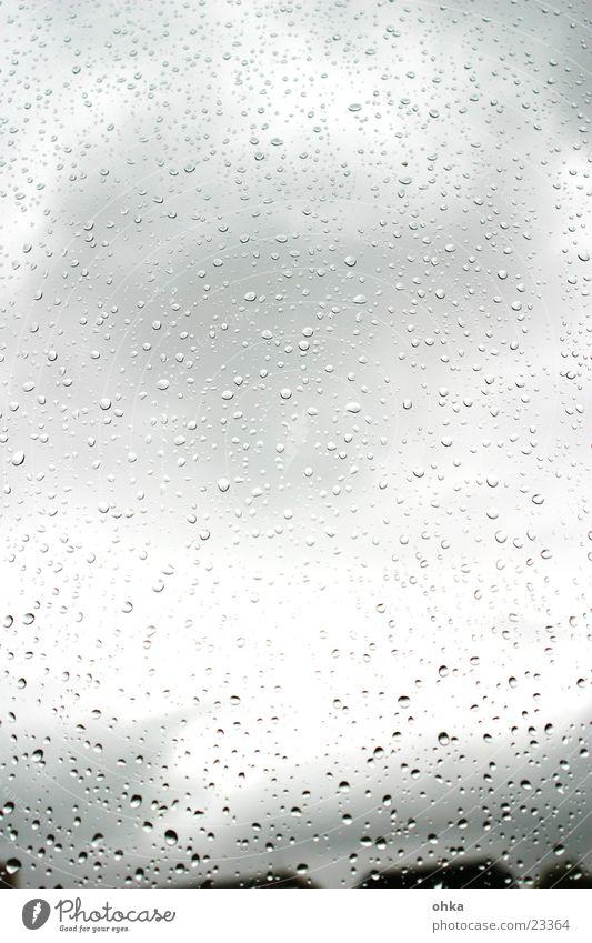 regentropfenfenster Fenster Regen nass Herbst Wassertropfen Fensterscheibe Wetter
