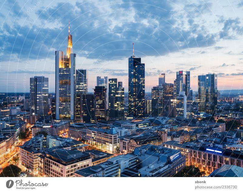 Abend in Mainhattan Büro Business Frankfurt am Main Stadt Stadtzentrum Skyline Hochhaus Bauwerk Gebäude Architektur Ferien & Urlaub & Reisen Großstadt Cityscape