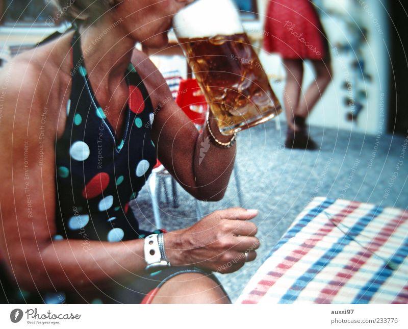 Then someone suggested an orgy.... Bier Freibier Dame trinken Alkohol Oktoberfest Bayern Unschärfe 1 sitzen Biergarten Frau typisch Oberkörper anonym Bierglas