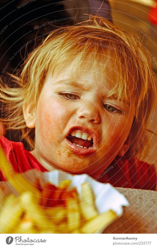 Voller Einsatz vintage Mensch Kind rot Freude Mädchen Gesicht Kopf Essen blond Kindheit dreckig authentisch niedlich einzeln Zähne Kleinkind