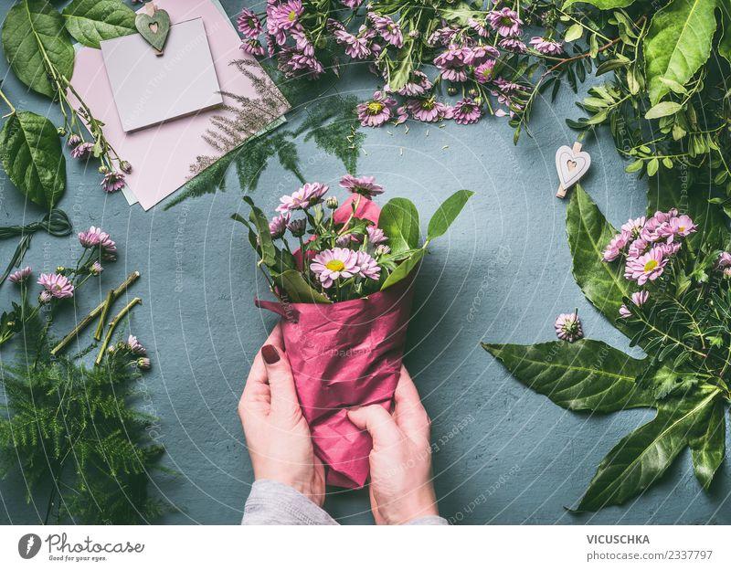 Blumenstrauß verpacken, Schritt für Schritt 2 kaufen Stil Design Häusliches Leben Veranstaltung Feste & Feiern Arbeit & Erwerbstätigkeit Mensch feminin Frau