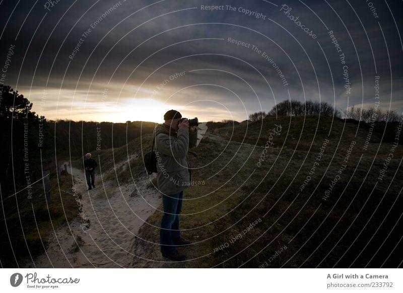 Spiekeroog l the good fellows Mensch Natur Wolken Erwachsene Umwelt Leben Landschaft Gras Wege & Pfade Sand gold wandern maskulin Ausflug Insel Sträucher