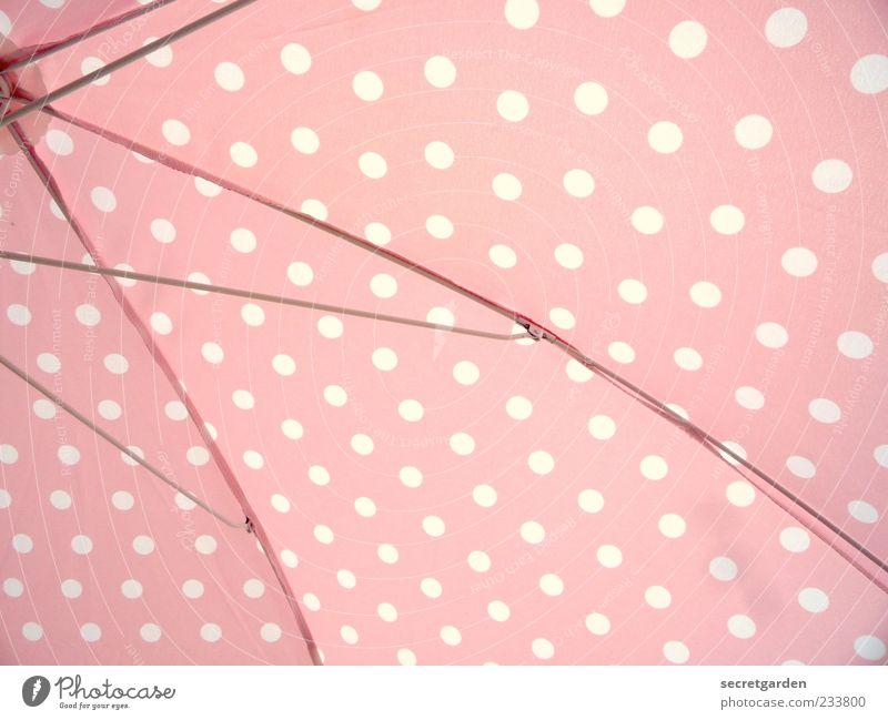 pünkt.licht.keit. rosa weiß ästhetisch Punkt Punktmuster Sonnenschirm Sommer sommerlich Sommertag Farbfoto mehrfarbig Nahaufnahme Menschenleer