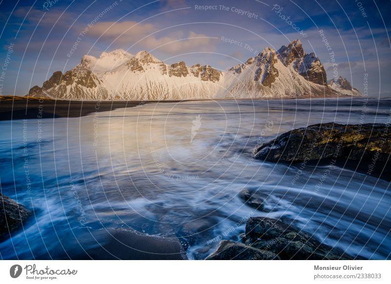 Vestrahorn, Island Landschaft Berge u. Gebirge Gipfel Schneebedeckte Gipfel Meer Ferien & Urlaub & Reisen Stokksness Langzeitbelichtung Wellen Küste