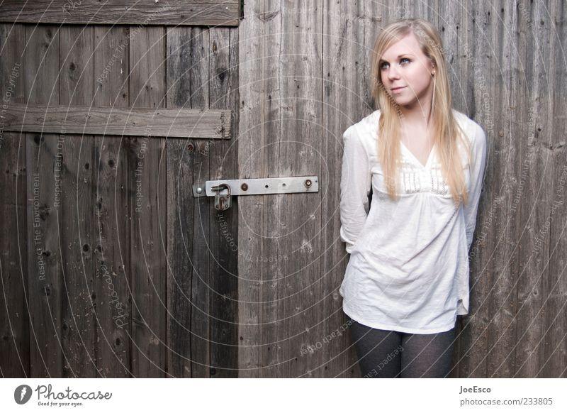 #233805 Lifestyle schön Junge Frau Jugendliche Erwachsene Leben 1 Mensch 18-30 Jahre Mode Hemd Strumpfhose blond langhaarig beobachten Erholung stehen träumen