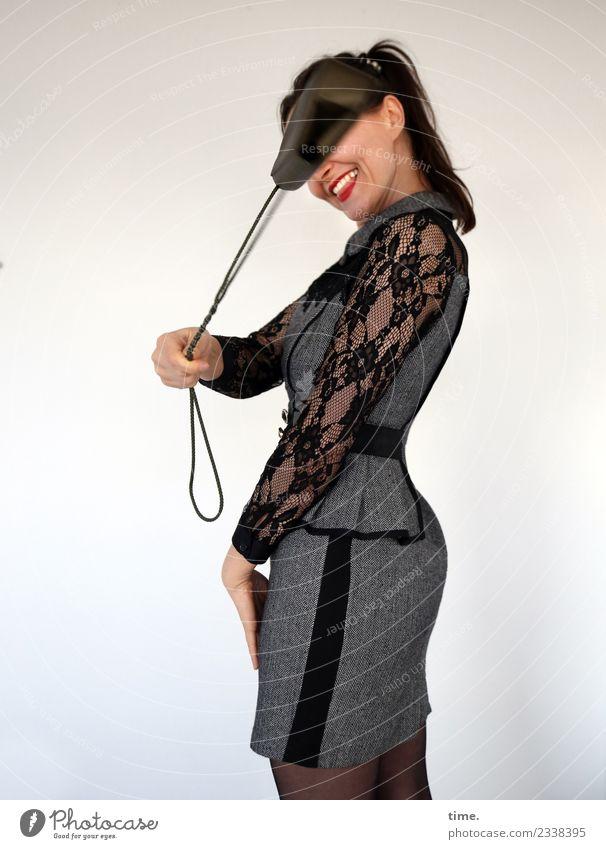 Mia feminin Frau Erwachsene 1 Mensch Kleid Handtasche schwarzhaarig langhaarig Zopf Bewegung drehen festhalten lachen stehen werfen Fröhlichkeit frisch schön