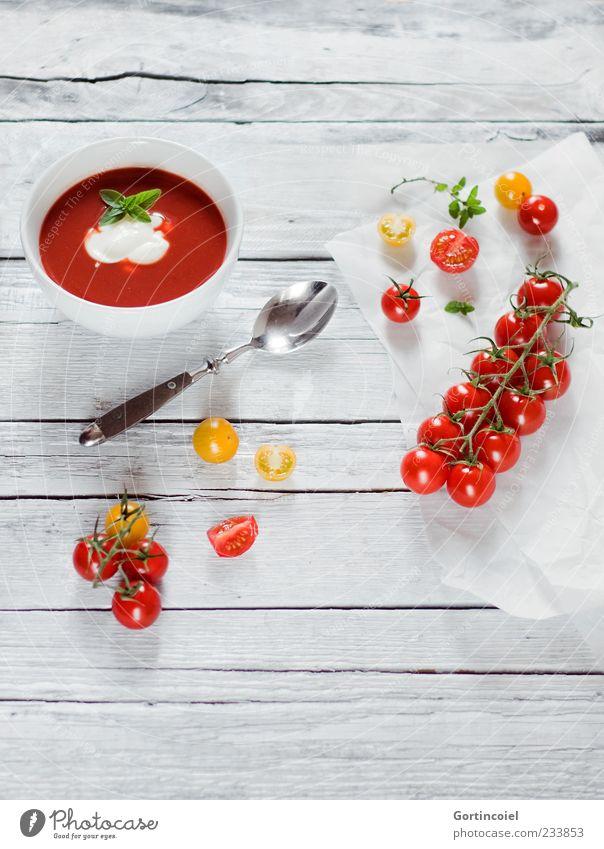 Tomatensuppe rot Ernährung Lebensmittel Gesundheit frisch Gemüse Suppe lecker Bioprodukte Besteck Mittagessen Tomate Tisch Schalen & Schüsseln Löffel Maserung
