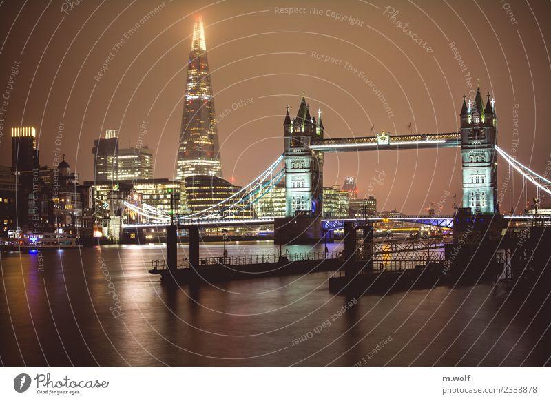 London calling Tower Bridge Themse England Europa Stadt Hauptstadt Skyline Hochhaus Brücke Architektur Sehenswürdigkeit Wahrzeichen Denkmal ästhetisch