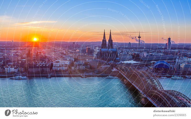 Skyline Köln Ferien & Urlaub & Reisen alt Stadt schön Architektur Deutschland Kirche Aussicht Sehenswürdigkeit Wahrzeichen Altstadt Stadtzentrum Denkmal Dom