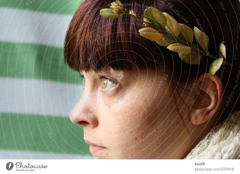 CAESARia II (oder: 1 1/2 Augen) Mensch Jugendliche weiß grün Blatt Gesicht Erwachsene feminin Kopf Haare & Frisuren Haut Mund natürlich Nase 18-30 Jahre