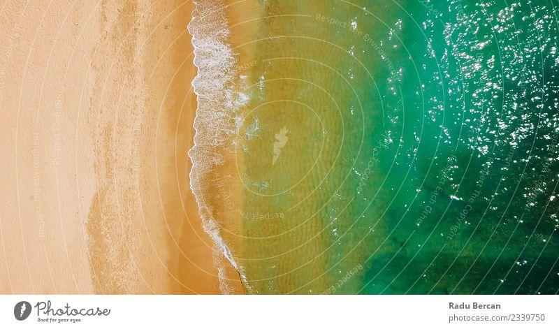 Luftaufnahme der Meereswellen und des Strandes an der Algarve Umwelt Natur Landschaft Erde Sand Wasser Sommer Schönes Wetter Wärme Wellen Küste Bucht entdecken