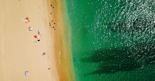 Mensch Natur Ferien & Urlaub & Reisen Sommer Farbe Landschaft Sonne Meer Strand Lifestyle Umwelt Küste Schwimmen & Baden Wellen Insel Abenteuer