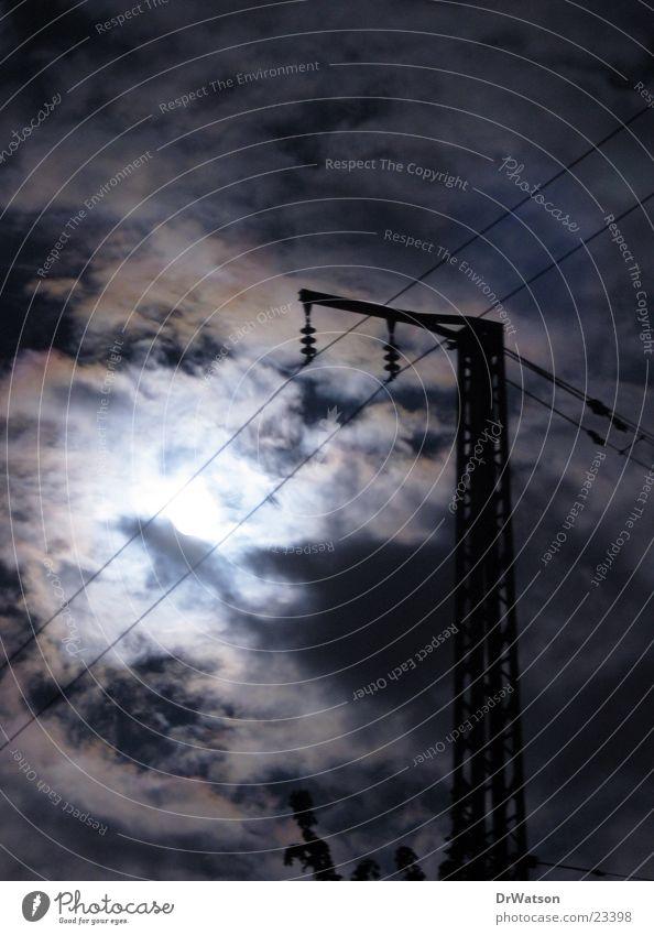 Vollmondnacht Himmel Wolken Stimmung Mond Strommast spukhaft Vollmond Geisterstunde