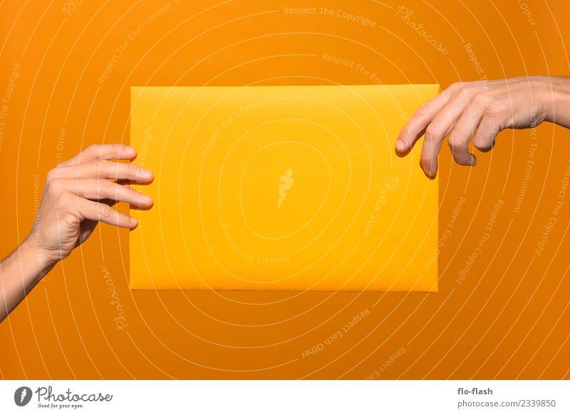 ABGABE Mensch Hand Erotik gelb Lifestyle Stil Business Spielen Feste & Feiern Design gold Erfolg kaufen Studium Macht stoppen