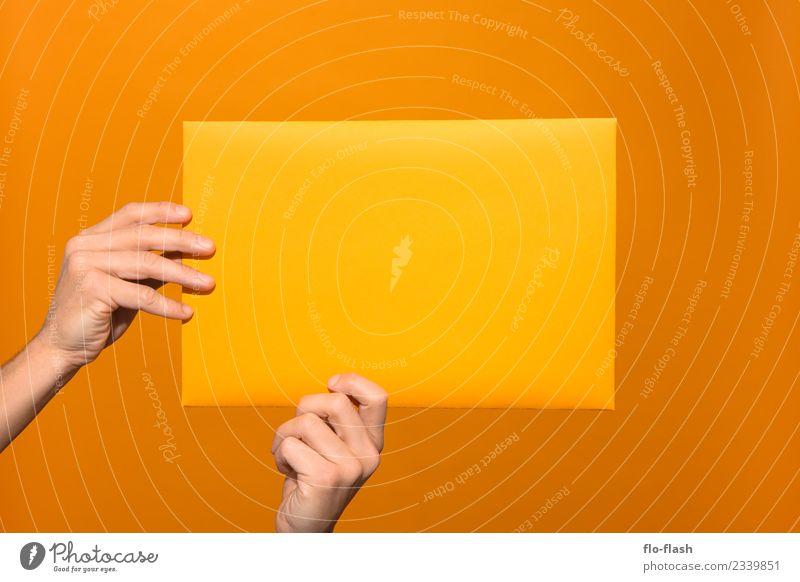 ZWEI HÄNDE GRABBELN GELBES PAPIER AN II schön Erotik Wärme gelb Gesundheit Stil Business Spielen Feste & Feiern orange Arbeit & Erwerbstätigkeit Design