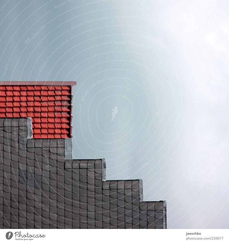Giebeltetris Haus Architektur Fassade Treppe außergewöhnlich Dach einfach Quadrat Geometrie eckig Dachziegel Dachgiebel Zickzack Gebäude Giebelseite