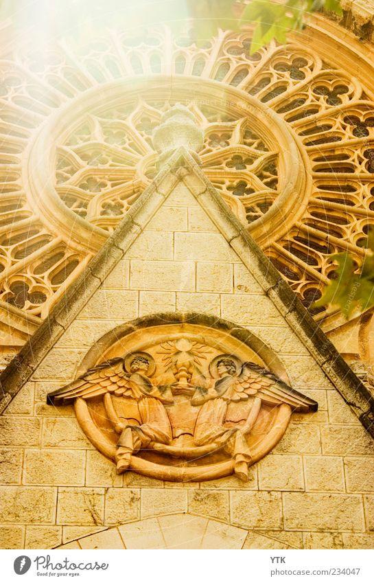 Shine a little light on me alt Sonne gelb Wand oben Architektur Religion & Glaube Mauer hell Stimmung gold Fassade groß außergewöhnlich Kirche