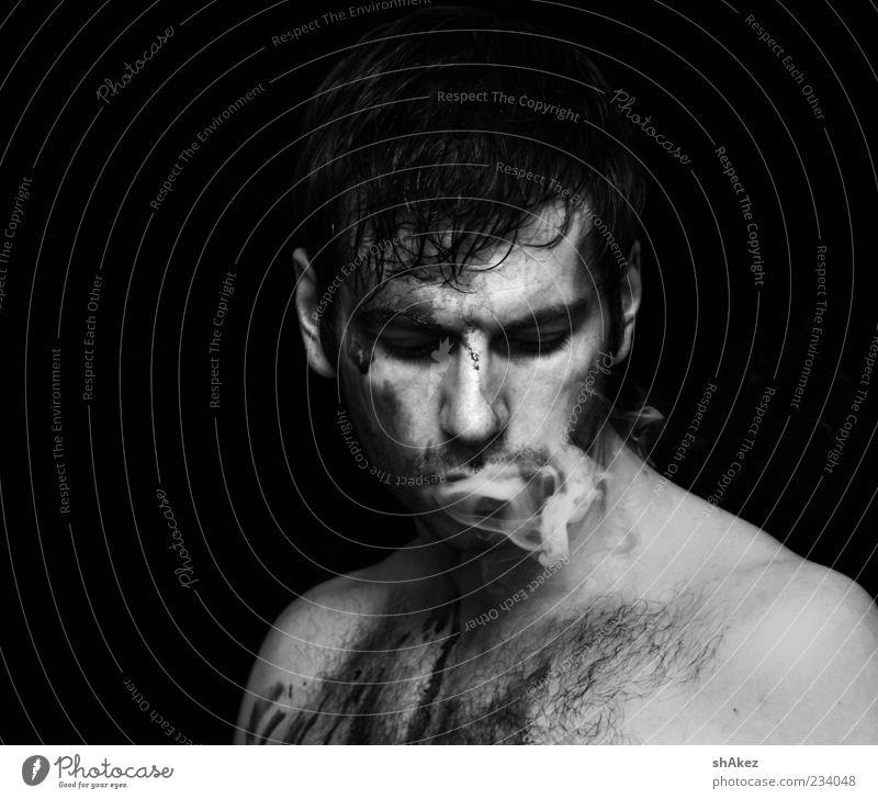 Der Typ mit Blut & Rauch Mensch Mann Jugendliche schwarz kalt Haare & Frisuren Stimmung dreckig Erwachsene maskulin Coolness Rauchen außergewöhnlich Rauch Erdöl brünett