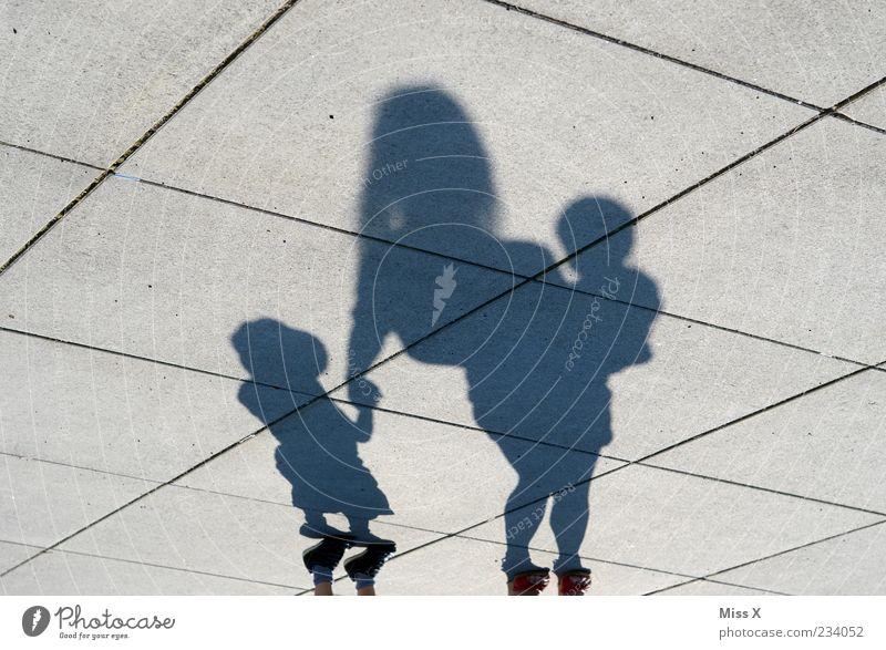 Familie Mensch Kind Baby Kleinkind Frau Erwachsene Eltern Mutter Familie & Verwandtschaft Kindheit Leben 3 0-12 Monate 1-3 Jahre Glück Gefühle Sicherheit Schutz