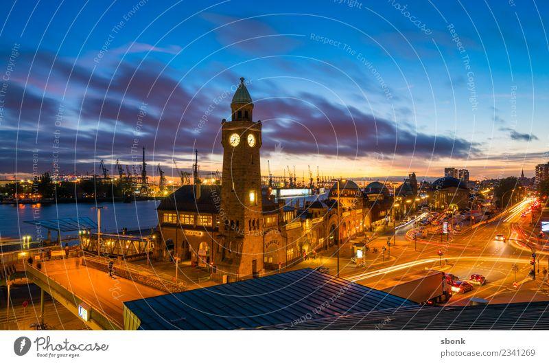 Sonnenuntergang in Hamburg Stadt Skyline Bauwerk Gebäude Architektur Ferien & Urlaub & Reisen Großstadt harbour river urban transport public train autumn