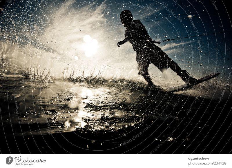 Blind Lifestyle Freude Freizeit & Hobby Sport Wassersport Wakeboarden Wasserskianlage maskulin Mann Erwachsene sportlich Farbfoto Gedeckte Farben Außenaufnahme