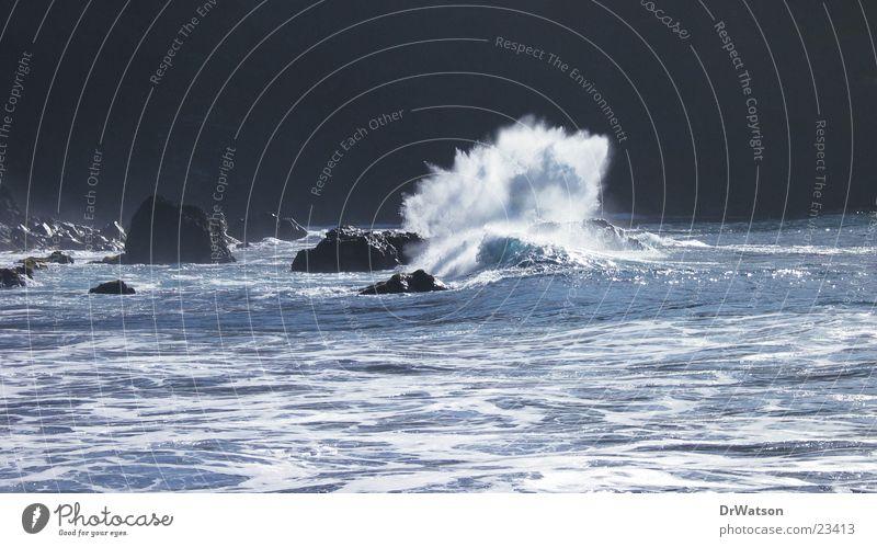 Brandungsbrecher Wasser Meer Wellen Felsen Klippe Riff