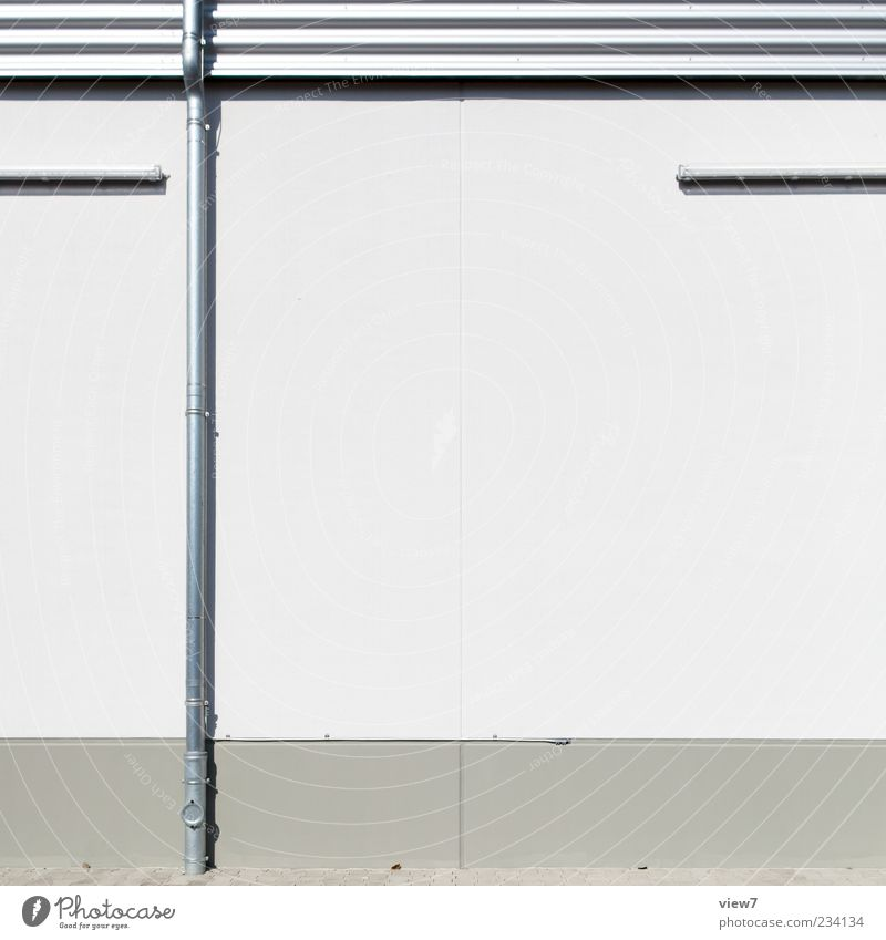 pipe :: Haus Industrieanlage Fabrik Bauwerk Gebäude Architektur Mauer Wand Fassade Dachrinne Stein Beton Metall Linie Streifen ästhetisch authentisch dünn