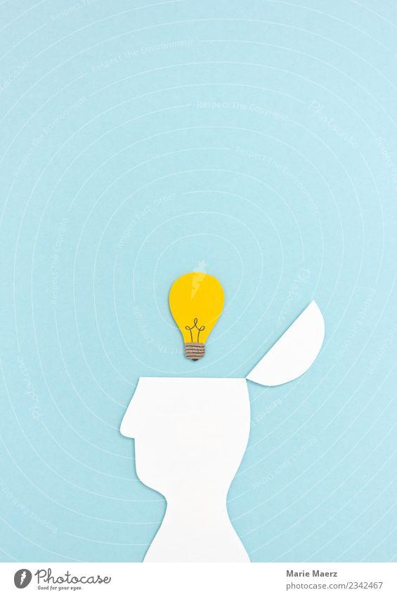 Erleuchtung | Kopf mit Glühbirne aus Papier blau Denken offen Erfolg lernen Idee einfach Neugier entdecken neu Bildung Erwachsenenbildung Verstand Inspiration