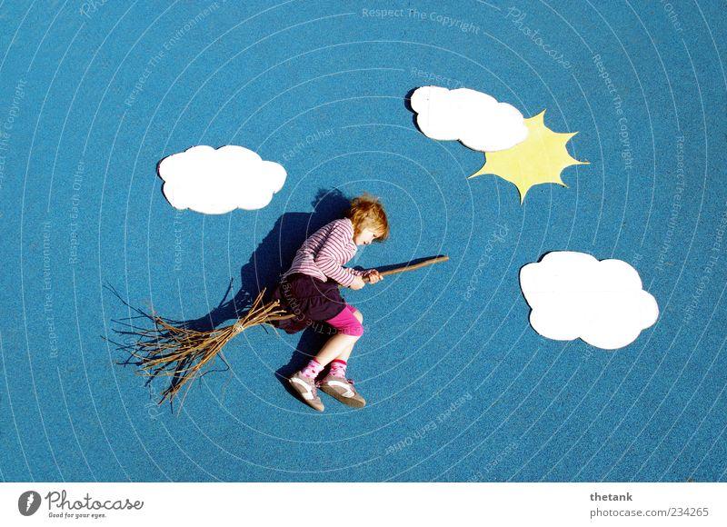 nimbus 50 Freude Ausflug Abenteuer Kind 1 Mensch Wolken Sonne fliegen Spielen fantastisch Unendlichkeit verrückt Himmel Besen Reiten Hexe Märchen Fliege