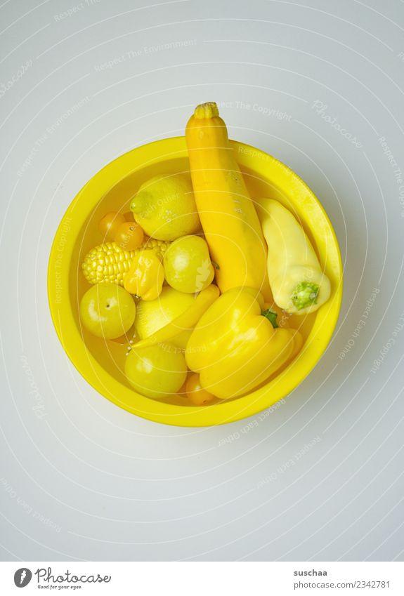 gelbes gemüse Gemüse Frucht frisch Gesundheit Gesunde Ernährung Lebensmittel Nährstoffe Vitamin Zucchini Paprika Zitrone Tomate gelbe Pflaumen