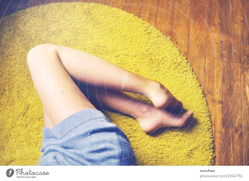 beinhaltung Frau Mädchen Beine feminin Fuß Körper Bodenbelag dünn Diät gemütlich Teppich Turnen bequem Oberschenkel Wade