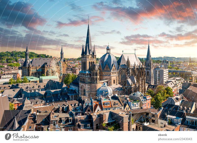 Kaiserstadt Aachen Stadt Skyline Dom Ferien & Urlaub & Reisen aken aix-la-chapelle Deutschland Großstadt town architecture cityscape Dom zu Aachen Church